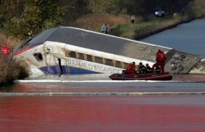 UNE VITESSE EXCESSIVE À L'ORIGINE DU DÉRAILLEMENT D'UN TGV D'ESSAI PRÈS DE STRASBOURG